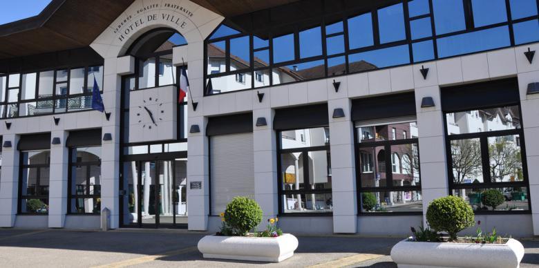 La mairie de Saint Genis Pouilly